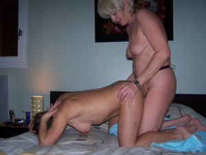 Amateur wife first strapon